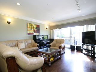 Photo 9: 1289 W 45TH Avenue in Vancouver: South Granville House for sale (Vancouver West)  : MLS®# V1127713