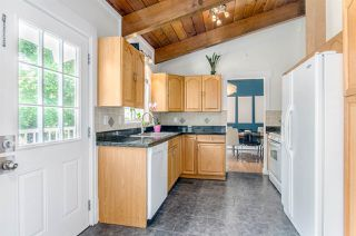 """Photo 6: 23078 96 Avenue in Langley: Fort Langley House for sale in """"Fort Langley"""" : MLS®# R2062855"""