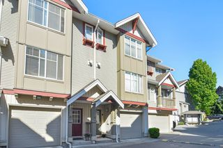 "Photo 2: 19 6651 203 Street in Langley: Willoughby Heights Townhouse for sale in ""SUNSCAPE"" : MLS®# R2064489"