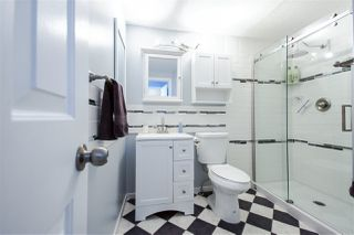 "Photo 12: 204 15035 THRIFT Avenue: White Rock Condo for sale in ""Grosvenor Court"" (South Surrey White Rock)  : MLS®# R2070999"