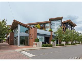 Photo 2: 403 662 Goldstream Ave in VICTORIA: La Fairway Condo Apartment for sale (Langford)  : MLS®# 732903