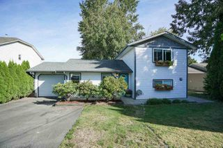 Photo 1: 26493 32 Avenue in Langley: Aldergrove Langley House for sale : MLS®# R2107398