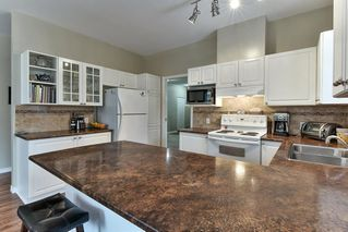 """Photo 8: 323 20655 88 Avenue in Langley: Walnut Grove Townhouse for sale in """"TWIN LAKES"""" : MLS®# R2144176"""