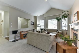 """Photo 2: 323 20655 88 Avenue in Langley: Walnut Grove Townhouse for sale in """"TWIN LAKES"""" : MLS®# R2144176"""