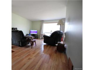 Photo 2: 582 Bruce Avenue in Winnipeg: Bruce Park Residential for sale (5F)  : MLS®# 1709669