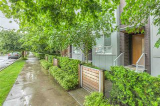 "Photo 1: 2172 W 8TH Avenue in Vancouver: Kitsilano Townhouse for sale in ""CANVAS"" (Vancouver West)  : MLS®# R2176303"