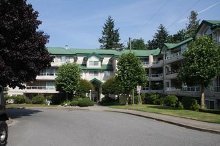 Photo 1: 452-2750 Fairlane Street in Abbotsford: Central Abbotsford Condo for sale : MLS®# R2189272