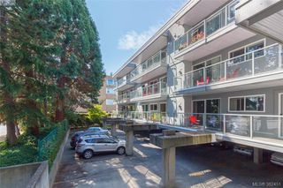 Photo 2: 403 2022 Foul Bay Road in VICTORIA: Vi Jubilee Condo Apartment for sale (Victoria)  : MLS®# 382451