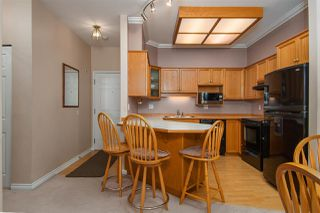 "Photo 2: 205 25 RICHMOND Street in New Westminster: Fraserview NW Condo for sale in ""FRASERVIEW"" : MLS®# R2218174"