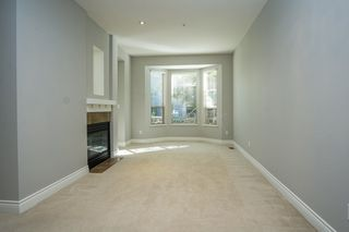 """Photo 8: 55 16655 64 Avenue in Surrey: Cloverdale BC Townhouse for sale in """"RIDGEWOOD"""" (Cloverdale)  : MLS®# R2217978"""