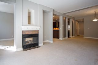 """Photo 3: 55 16655 64 Avenue in Surrey: Cloverdale BC Townhouse for sale in """"RIDGEWOOD"""" (Cloverdale)  : MLS®# R2217978"""