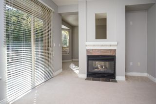 """Photo 5: 55 16655 64 Avenue in Surrey: Cloverdale BC Townhouse for sale in """"RIDGEWOOD"""" (Cloverdale)  : MLS®# R2217978"""