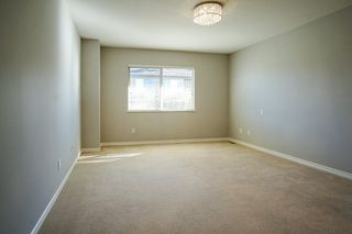 """Photo 9: 55 16655 64 Avenue in Surrey: Cloverdale BC Townhouse for sale in """"RIDGEWOOD"""" (Cloverdale)  : MLS®# R2217978"""