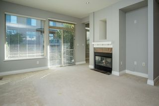 """Photo 2: 55 16655 64 Avenue in Surrey: Cloverdale BC Townhouse for sale in """"RIDGEWOOD"""" (Cloverdale)  : MLS®# R2217978"""