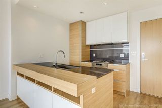 """Photo 3: 3008 4688 KINGSWAY in Burnaby: Metrotown Condo for sale in """"STATION SQUARE"""" (Burnaby South)  : MLS®# R2219207"""