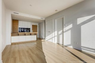 """Photo 6: 3008 4688 KINGSWAY in Burnaby: Metrotown Condo for sale in """"STATION SQUARE"""" (Burnaby South)  : MLS®# R2219207"""