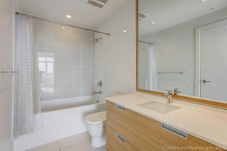 """Photo 14: 3008 4688 KINGSWAY in Burnaby: Metrotown Condo for sale in """"STATION SQUARE"""" (Burnaby South)  : MLS®# R2219207"""