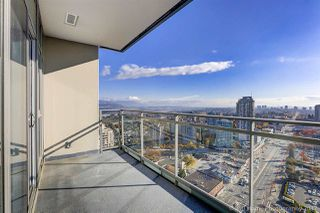 """Photo 7: 3008 4688 KINGSWAY in Burnaby: Metrotown Condo for sale in """"STATION SQUARE"""" (Burnaby South)  : MLS®# R2219207"""