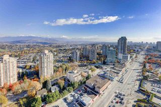 """Photo 9: 3008 4688 KINGSWAY in Burnaby: Metrotown Condo for sale in """"STATION SQUARE"""" (Burnaby South)  : MLS®# R2219207"""