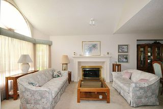 "Photo 2: 2622 CRAWLEY Avenue in Coquitlam: Coquitlam East Townhouse for sale in ""SOUTHVIEW ESTATES"" : MLS®# R2237997"