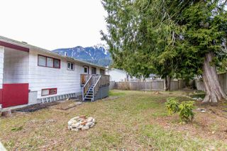 Photo 16: 1204 PARKWOOD Place in Squamish: Brackendale House for sale : MLS®# R2240418