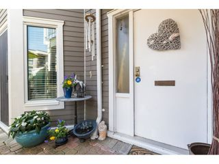 "Photo 5: 14838 BEACHVIEW Avenue: White Rock Townhouse for sale in ""Marine Court"" (South Surrey White Rock)  : MLS®# R2268720"