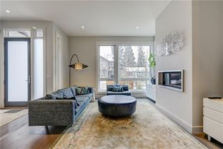 Photo 3: 2128 27 Avenue SW in Calgary: Richmond House for sale