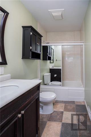 Photo 12: St Boniface Real Estate Listings with Winnipeg Realtors