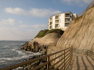 Main Photo: OCEAN BEACH Condo for sale : 2 bedrooms : 4909 Orchard Ave in San Diego