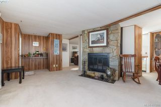 Photo 4: 11 151 Cooper Rd in VICTORIA: VR Glentana Manufactured Home for sale (View Royal)  : MLS®# 805155