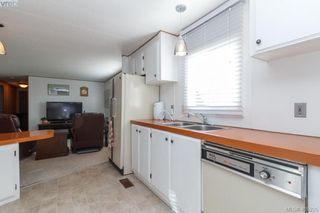 Photo 8: 11 151 Cooper Rd in VICTORIA: VR Glentana Manufactured Home for sale (View Royal)  : MLS®# 805155