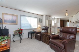 Photo 11: 11 151 Cooper Rd in VICTORIA: VR Glentana Manufactured Home for sale (View Royal)  : MLS®# 805155