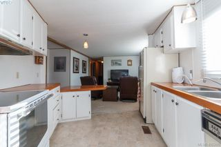 Photo 7: 11 151 Cooper Rd in VICTORIA: VR Glentana Manufactured Home for sale (View Royal)  : MLS®# 805155
