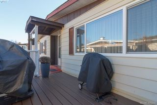 Photo 18: 11 151 Cooper Rd in VICTORIA: VR Glentana Manufactured Home for sale (View Royal)  : MLS®# 805155