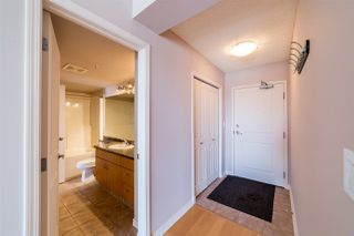 Photo 4: 906 10180 104 Street in Edmonton: Zone 12 Condo for sale : MLS®# E4145280