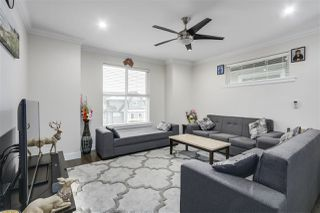 """Photo 2: 2 14450 68 Avenue in Surrey: East Newton Townhouse for sale in """"Spring Heights"""" : MLS®# R2344479"""