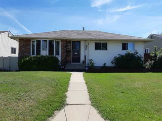 Photo 1: 16155 110B Avenue in Edmonton: Zone 21 House for sale : MLS®# E4148323