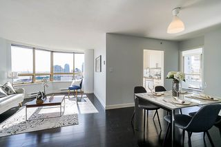 Photo 6: 503 328 CLARKSON Street in New Westminster: Downtown NW Condo for sale : MLS®# R2354025
