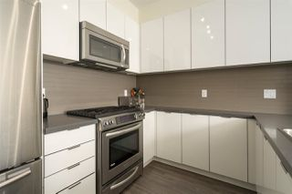 "Photo 9: 403 1135 WINDSOR Mews in Coquitlam: New Horizons Condo for sale in ""BRADLEY HOUSE AT WINDOR GATE"" : MLS®# R2355010"