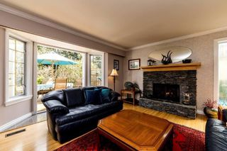 Photo 2: 1145 CALEDONIA Avenue in North Vancouver: Deep Cove House for sale : MLS®# R2363580