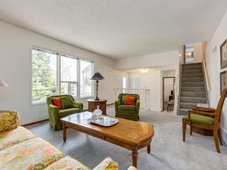 Photo 8: 5132 DALHAM Crescent NW in Calgary: Dalhousie Detached for sale : MLS®# C4244871