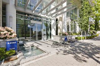 "Main Photo: 607 1633 ONTARIO Street in Vancouver: False Creek Condo for sale in ""Kayak"" (Vancouver West)  : MLS®# R2371524"