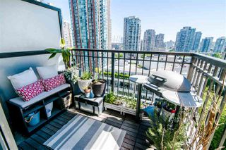 "Photo 8: 1207 989 RICHARDS Street in Vancouver: Downtown VW Condo for sale in ""MONDRIAN I"" (Vancouver West)  : MLS®# R2373679"