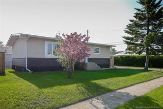 Main Photo: 5205 Lawton Avenue in Blackfalds: BS Downtown Residential for sale : MLS®# CA0168127