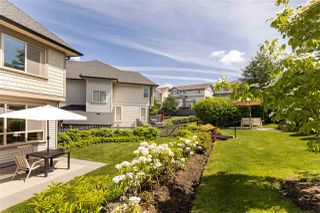 """Photo 2: 33 10595 DELSOM Crescent in Delta: Nordel Townhouse for sale in """"CAPELLA"""" (N. Delta)  : MLS®# R2377114"""