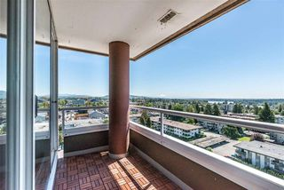 "Photo 17: 1206 11980 222 Street in Maple Ridge: West Central Condo for sale in ""GORDON TOWERS PENTHOUSE"" : MLS®# R2378502"