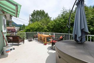 Photo 16: 935 DAVIS Road in Gibsons: Gibsons & Area House for sale (Sunshine Coast)  : MLS®# R2380120