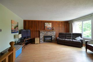 Photo 2: 935 DAVIS Road in Gibsons: Gibsons & Area House for sale (Sunshine Coast)  : MLS®# R2380120