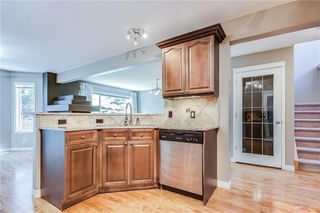 Photo 4: 223 WESTPOINT Garden SW in Calgary: West Springs Detached for sale : MLS®# C4273787