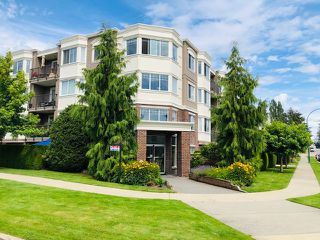 "Photo 1: 105 15357 ROPER Avenue: White Rock Condo for sale in ""REGENCY COURT"" (South Surrey White Rock)  : MLS®# R2477696"